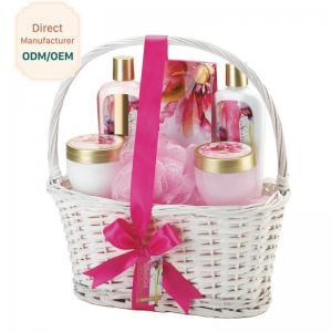 China Cosmetic Ladies Toiletries Gift Sets Ingredients Jasmine Lime Blossom PET Jar on sale