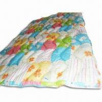 China Quilt with Printing and Siliconized Hollow Fiber Filling, Made of Cotton and Polyester on sale