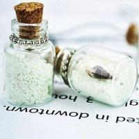Quality Wish Crystal Craft in Glass Bottles, Ideal for Cellphone Accessories and Sand Arts for sale