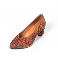 Quality S006 Manufacturer 2020 retro ethnic embroidery pointed high heel leather women's shoes spring and summer leather handmad for sale