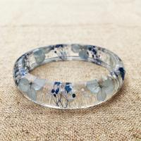 Quality Elegant Mixed Dry Flower Resin Bangle Bracelet Beautiful Epoxy Resin Jewelry for sale