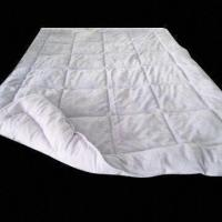 China 190T Microfiber Quilt with 6D Hollow Fiber 150g/m on sale