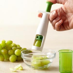 Mutil Function Plastic Cherry Tomato Slicer White Green 18 * 6.5cm For Kitchen