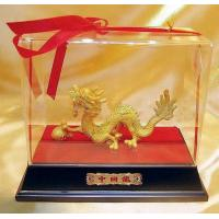 Quality clear acrylic counter display box with engraved logo for sale