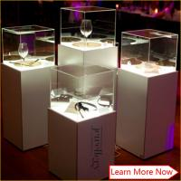 Quality Fashion jewelry display stands,jewelry case display with led spot lights for sale