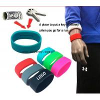Quality 2020 new Pocket Wrist band silicone bracelet with pocket for Sport for sale
