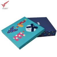 China Elegant Christmas Gift Box Recycled Material For Chocolate And Candy Packing on sale