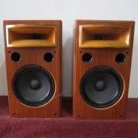 Quality Best Sound Quality Wooden Finished Bookself Audio Speaker With Cover For Cinema Room for sale