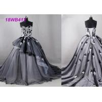Quality Tulle Black And White Bridesmaid Dresses , Strapless Two Color Bridesmaid Dresses for sale