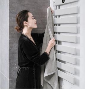 China Towel Radiator Black Bath Towel Rack 20W Aluminum Alloy IP54 With Hot Water on sale