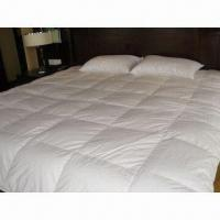 Quality Bedding Down Quilt with 5% WDD Filling, Made of 100% Cotton Fabric, Available in Various Sizes for sale
