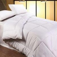 China Microfiber Quilts with Hollow Fiber Filling, Available in Various Sizes on sale