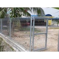 Roll top fences are not only used as safety fences, but also used as a gate.