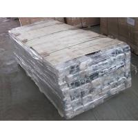 Many fence post are placed on the pallet, they also fixed with bundle belts and wrapped with plastic film.