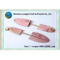 Quality Size 4.5 To 11 Adjustable Cedar Wooden Shoe Stretcher To Stretch Shoes for sale