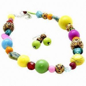 China fashion beaded jewelry set .necklace on sale